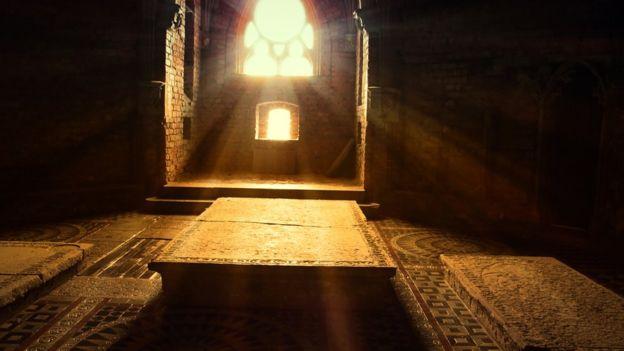 Las criptas son lugares ideales por la temperatura, la ventilación y porque protege a los cadáveres del agua. GETTY IMAGES