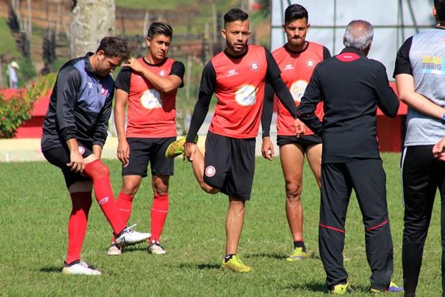 Los jugadores del Deportivo Carchá tienen un panorama complicado en el cierre del torneo Clausura 2017. (Foto Prensa Libre: Eduardo Sam Chun)