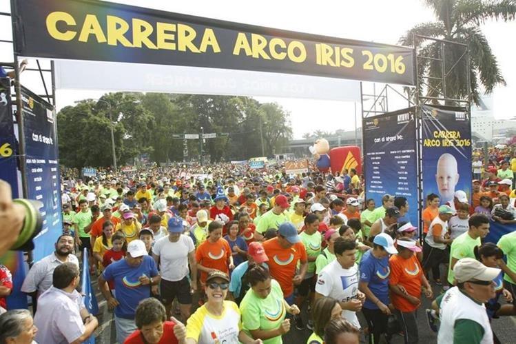 Guatemaltecos corren por los niños con cáncer. (Foto Prensa Libre: Paulo Raquec)