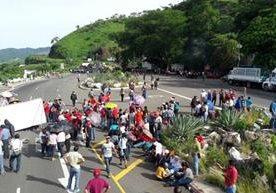 Varias carreteras principales en la provincia se encuentran bloqueadas.
