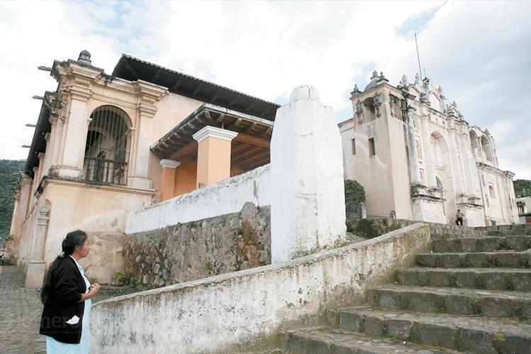 Templo y convento de San Juan del Obispo. (Foto: Hemeroteca PL)