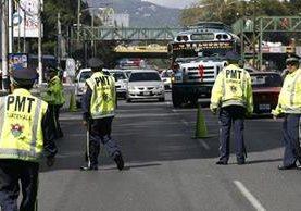 Los departamentos de Policía Municipal de Tránsito de todo el país apoyarán a los votantes. (Foto Prensa Libre: HemerotecaPL)