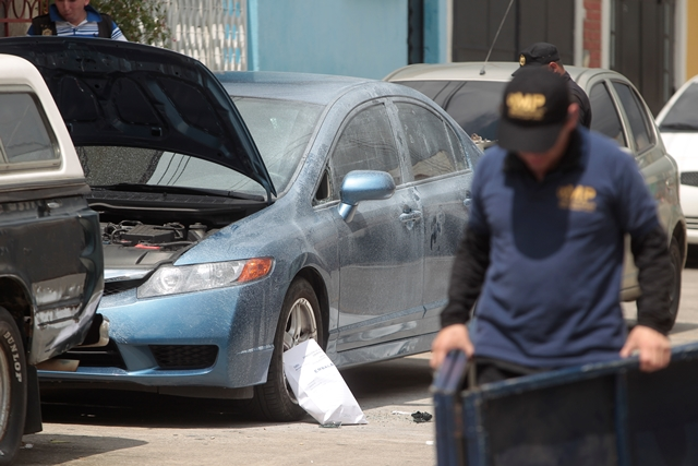 El cuerpo de Kimberly Pérez apareció maniatado y con señales de estrangulamiento en la zona 5, en octubre de 2013. (Foto Prensa Libre: Hemeroteca PL)