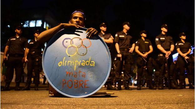 El costo de las Olimpiadas generó numerosas protestas en Brasil.AFP