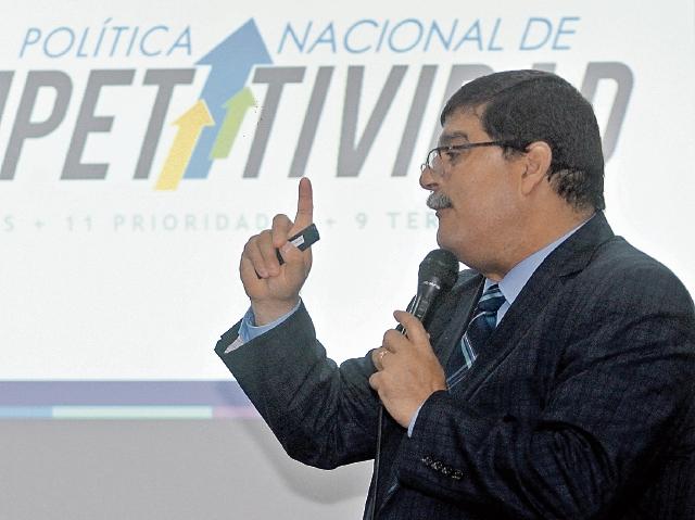 Enrique Godoy, comisionado de Competitividad, presentó ayer la Agenda Nacional de Competitividad, y en agosto dará a conocer la política, que incluye varios ejes.