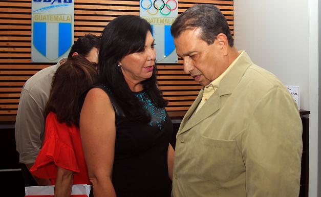 Dennis Alonso, presidente de la CDAG, indicò que que se tomarà el tiempo necesario para analizar los nuevos estatutos de la Fedefut. (Foto Prensa Libre: Carlos Vicente)