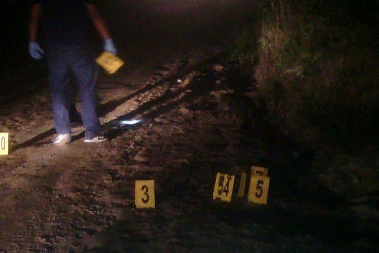 Lugar donde murieron baleadas tres personas en Jocotán, Chiquimula. (Foto Prensa Libre: Víctor Gómez).