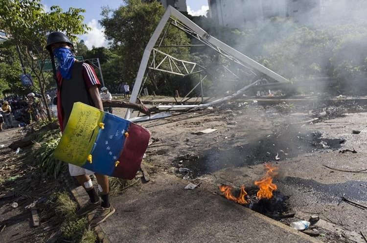EEUU concreta amenaza e impone sanciones a Nicolás Maduro