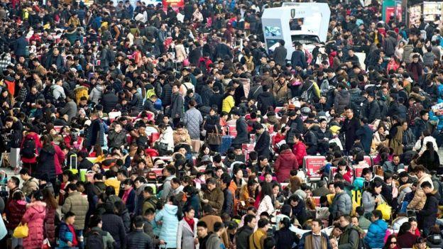 Hay muchos más hombres que mujeres buscando pareja en China.  GETTY IMAGES
