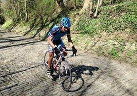 Daniel Quicibal durante el  entrenamiento de este jueves en Top Van De Muur Geraardsbergen. (Foto Prensa Libre: Cortesía Daniel Quicibal)