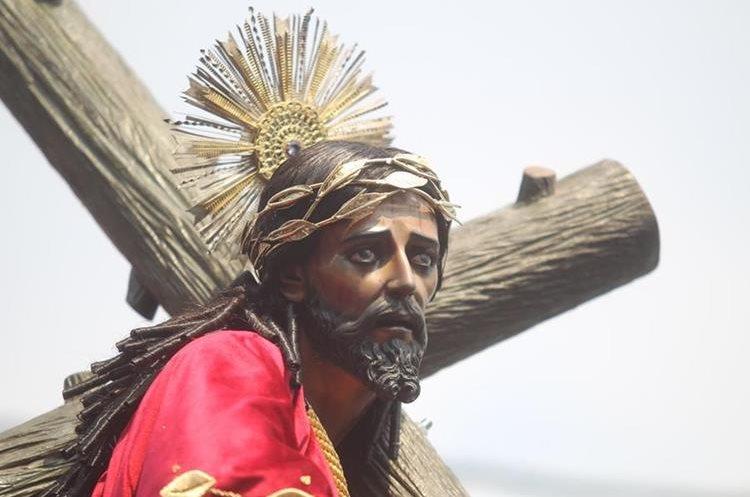 La réplica del nazareno de los milagros fue trabajada minuciosamente por artesanos.