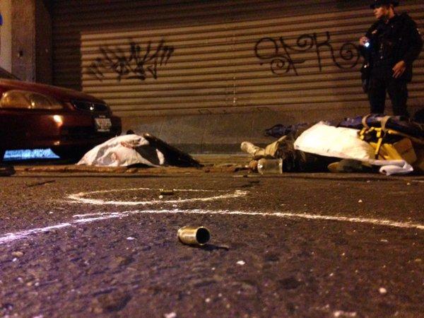 Tres personas murieron en el lugar y dos más en el Hospital General. (Foto Prensa Libre: CBM)