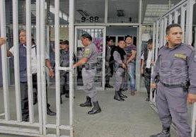 El Ministeriio de Gobernación rechaza los beneficios los reos reciben para salir de las prisiones. (Foto Prensa Libre: Hemeroteca PL)