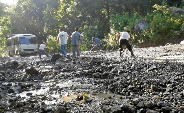 Hace una década las autoridades del Gobierno prometieron construir la ruta del Polochic. (Foto Prensa Libre: Hemeroteca PL)