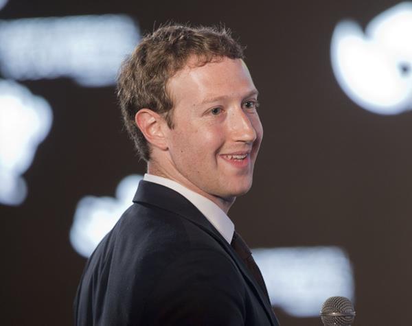 Mark Zuckerberg continúa innovando Facebook. (Foto Prensa Libre: AP)