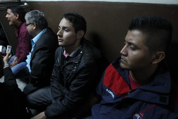 <p>Welter Renato Carrera, de 19 añoos, y Jans Francisco Robles, 25, quienes según Gobernación fueron ubicados en la escena del crimen (Foto Prensa Libre: P. Raquec)<br></p>