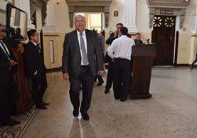 Ministro de Comunicaciones Aldo García en el Congreso por cita para interpelación. (Foto Prensa Libre: José Castro)