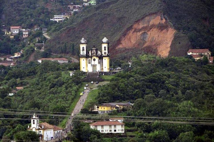 Panorámica del poblado de Ouro Preto, Minas Gerais, el tercer estado brasileño en declarar calamidad financiera. (Foto Hemeroteca PL).