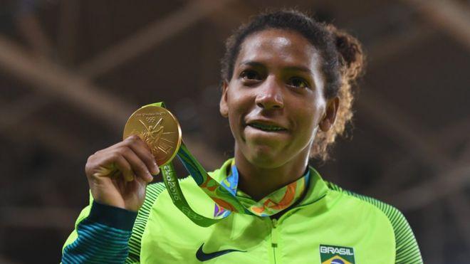 Rafaela Silva consiguió una medalla de oro en Yudo para Brasil. (Getty Images)