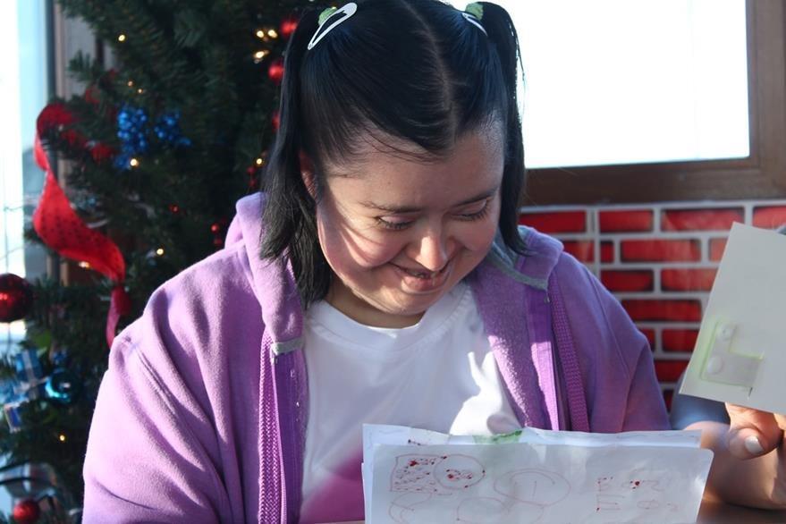 Rosemarie ha escrito cartas que espera entregar a Enrique Iglesias. (Foto Prensa Libre: Josué León)
