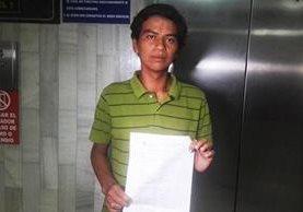 Marco Antonio Guzmán es originario de Chiquimula y migró por amenazas de grupos de narcotráfico. (Foto Prensa Libre: Jerson Ramos)