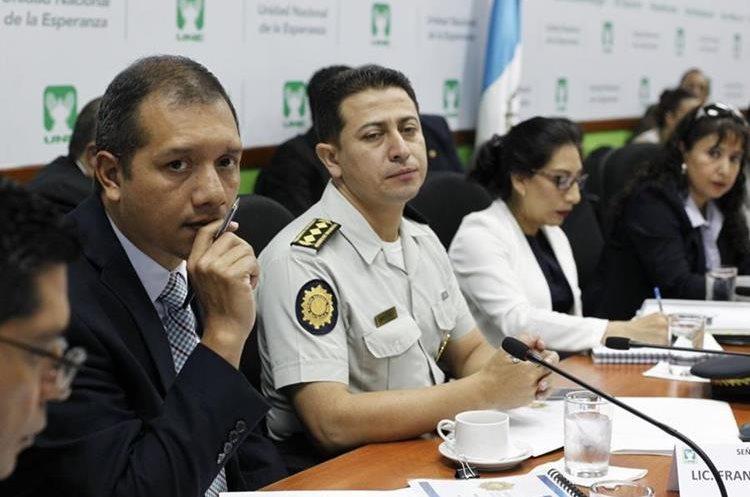 El ministro de Gobernación dice que este año han trasladado a más de 3 mil reos a evaluaciones médicas en hospitales. (Foto Prensa Libre: Paulo Raquec)