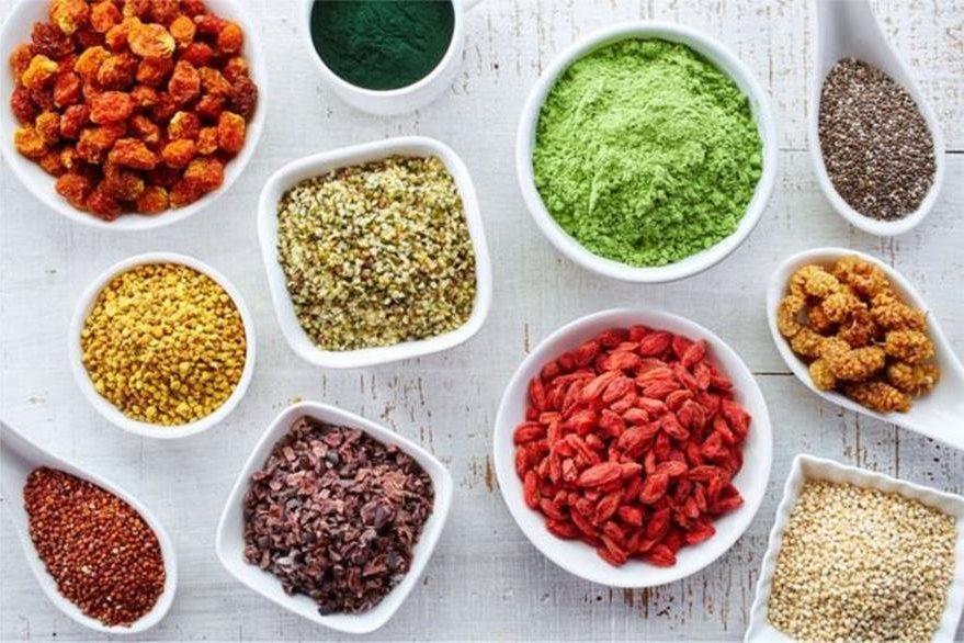 Los que sí están demostrados son los beneficios de un determinado patrón de alimentación que incluye fuentes alimentarias ricas en antioxidantes, pero no los de los antioxidantes suplementarios. (THINKSTOCK)