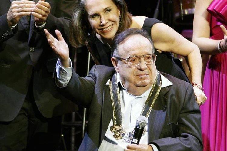 Florinda Meza fue pareja de Roberto Gómez Bolaños por más de 30 años. Se casaron en el 2004. (Foto Prensa Libre: Hemeroteca PL)