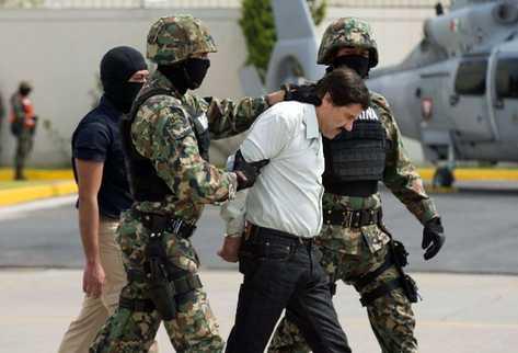 Las fuerzas policiales han asestado varios golpes al cartel de Sinaloa,  como la captura del Chapo Guzmán. (Foto Prensa Libre: AP)