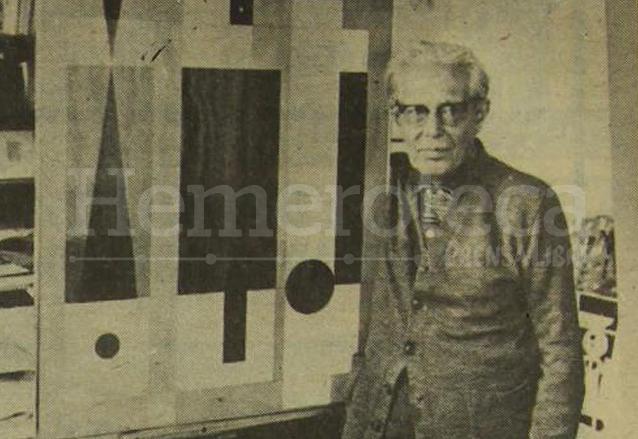 El maestro Carlos Mérida junto a una de sus obras. (Foto: Hemeroteca PL)