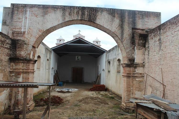 Parte del templo católico de San Andrés Semetabaj que ha sido restaurado. (Foto Prensa Libre: Édgar Sáenz)