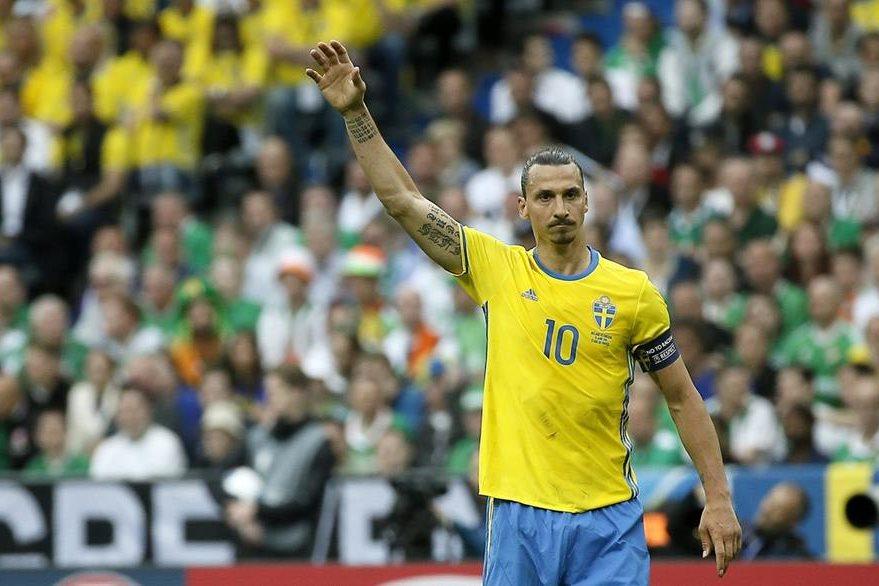 Zlatan Ibrahimovic pasará las pruebas médicas con el Manchester United después de la Eurocopa. (Foto Prensa Libre: EFE)