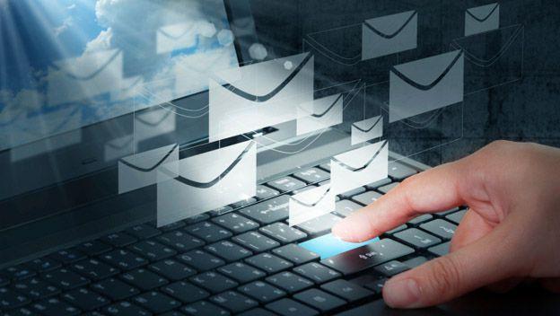 Gracias a los aportes de Tomlinson hoy los usuarios de Internet pueden enviar correos electrónicos. (Foto Prensa Libre: Hemeroteca PL)