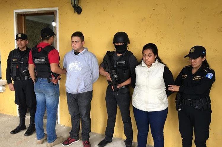 Esvin Aroldo Pineda González y Guadalupe Nineth Álvarez Milián habrían participado en el secuestro de las menores. (Foto Prensa Libre: Cortesía PNC)