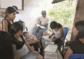 A nivel nacional el analfabetismo es del 12%, pero hay departamentos como Huehuetenango, Alta Verapaz y Quiché llega al 25%. (Foto Prensa Libre: Hemeroteca PL)