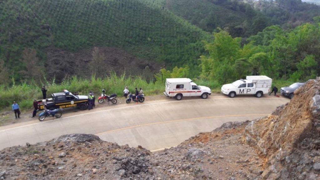 Área donde fue localizado el cadáver de Josue David Chamam, en Cobán, Alta Verapaz. (Foto Prensa Libre: Eduardo Sam).