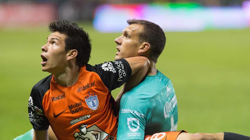 Novarreti fue sancionado por escupir a Lozano. (Foto Prensa Libre: Mediotiempo.com)