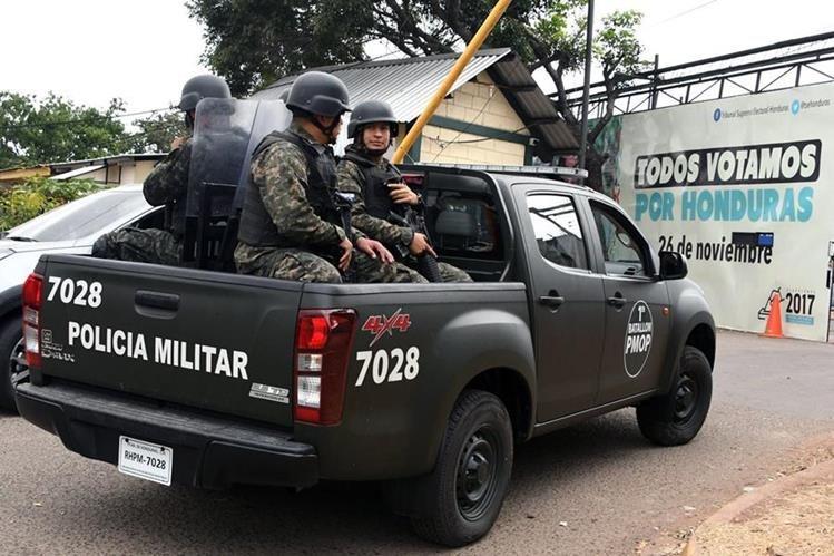 La OEA recomendó a Honduras levantar el toque de queda para evitar represión policial. (Foto Prensa Libre: AFP)