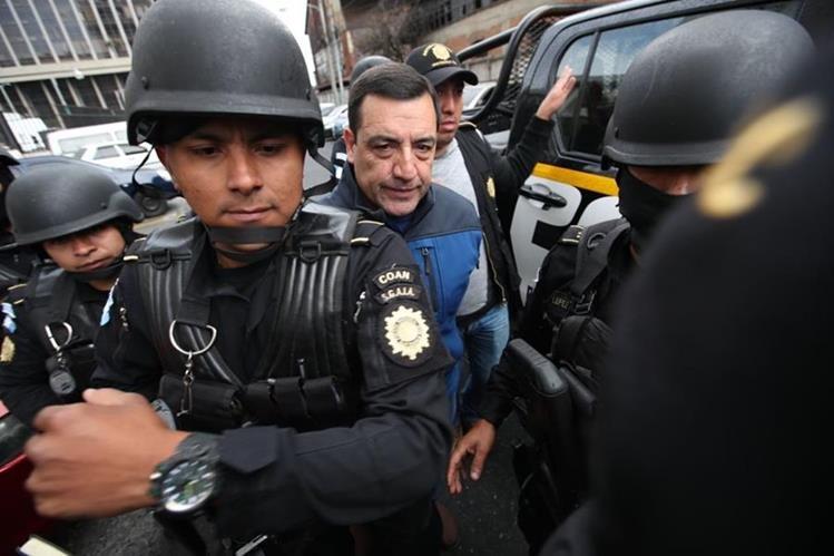 Capturan a exministro de Defensa por pago de bonos — Guatemala