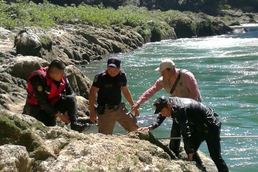 El turista australiano desapareció en la comunidad Chicanuz. (Foto Prensa Libre: Eduardo Sam).