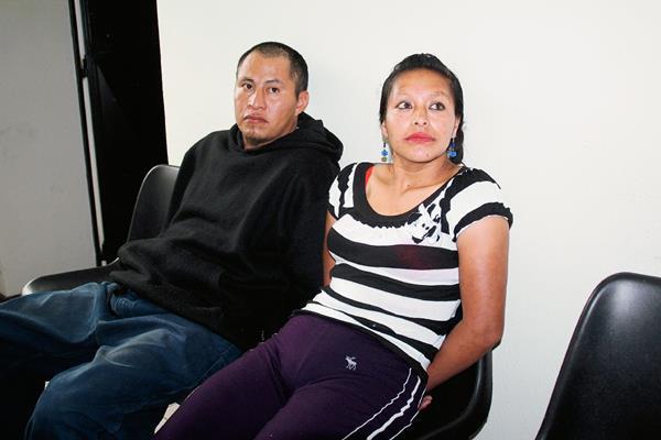 Rodrigo David Ramírez Gómez y Martha Hernández Calmo fueron detenidos en el caserío Pajón, Todos Santos Cuchumatán, Huehuetenango. (Foto Prensa Libre: Mike Castillo)