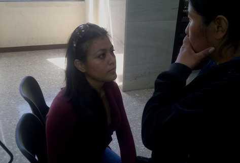 Yenni Chinchilla, conviviente de Yennifer Liliana Alquijay Osorio. (Foto Prensa Libre: Estuardo Paredes)