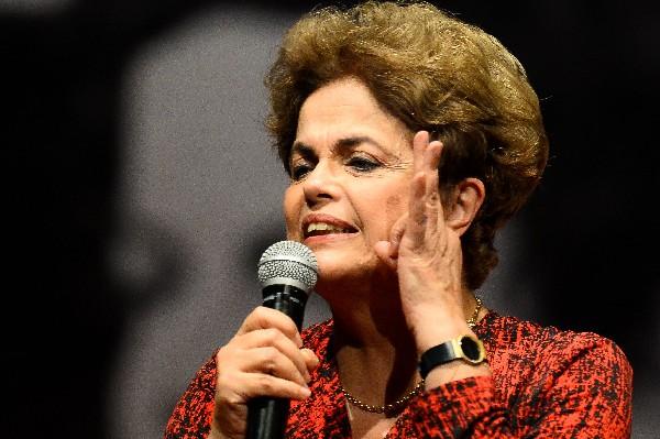 Dilma Rousseff entra en su última batalla para recuperar el poder en Brasil. (Foto Prensa Libre:AFP).