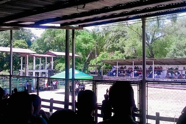 En una  asamblea celebrada el viernes en Salamá, Baja Verapaz, la dirigencia magisterial de ese departamento declinó de participar en marchas organizadas para este sábado. (Foto Prensa Libre: Carlos Grave)