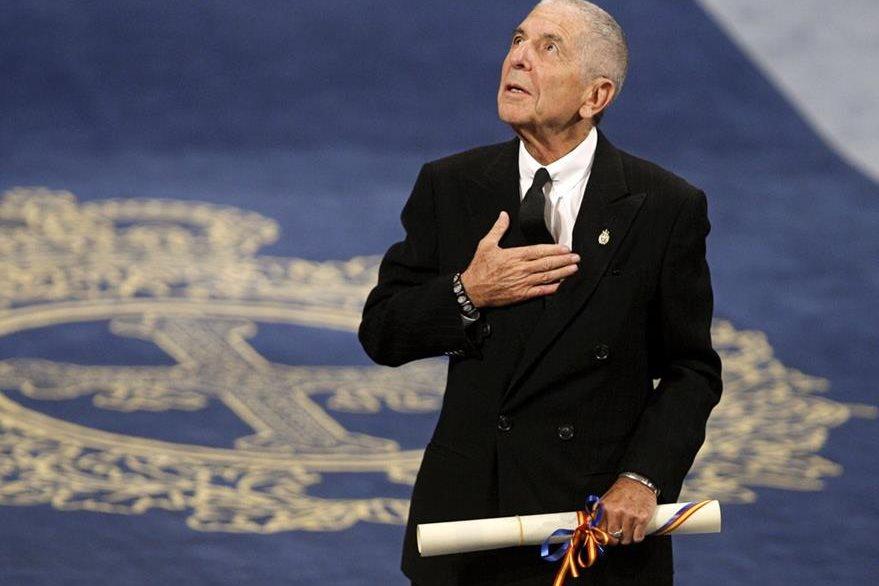 El cantante y compositor canadiense Leonard Cohen, fue galardonado en 2011 con el Premio Príncipe de Asturias de las Letras. (Foto Prensa Libre: EFE)