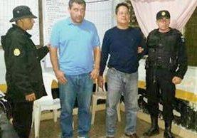 Dos supuestos delincuentes salvadoreños fueron capturados por agentes de la PNC en Jutiapa. (Foto Prensa Libre: PNC)