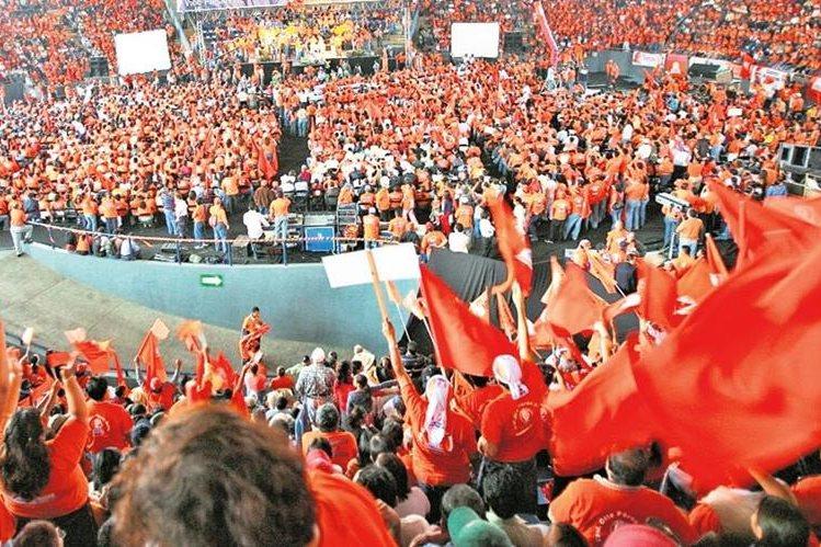 En el 2015 el PP tenía 51 mil 260 afiliados y este año tiene 50 mil 152. (Foto Prensa Libre: Hemeroteca PL)