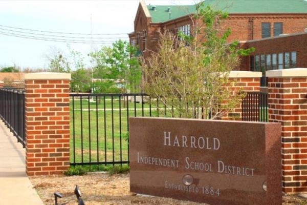 <p>Escuela en Harrold, Texas. (Foto tomada de Google Maps)</p>
