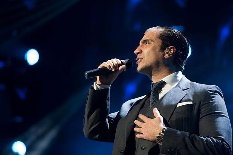 Alejandro Fernández alcanzó popularidad con el género ranchero, pero también experimenta con la balada-pop. (Foto Prensa Libre: Getty Images)
