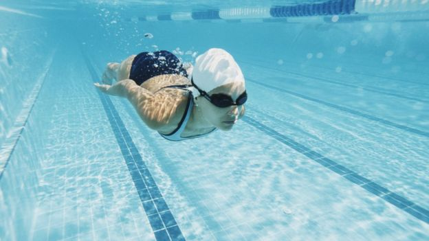 En una pequeña localidad de Reino Unido hace años que se usa este sistema para calentar el agua de una piscina.  (Foto Prensa Libre: Getty Images)
